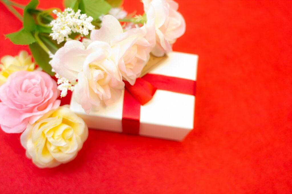 新居引き渡し時に営業マンへお礼のプレゼントは送るべき?